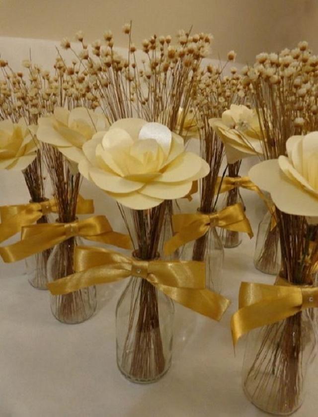Arranjos de flores amarelas